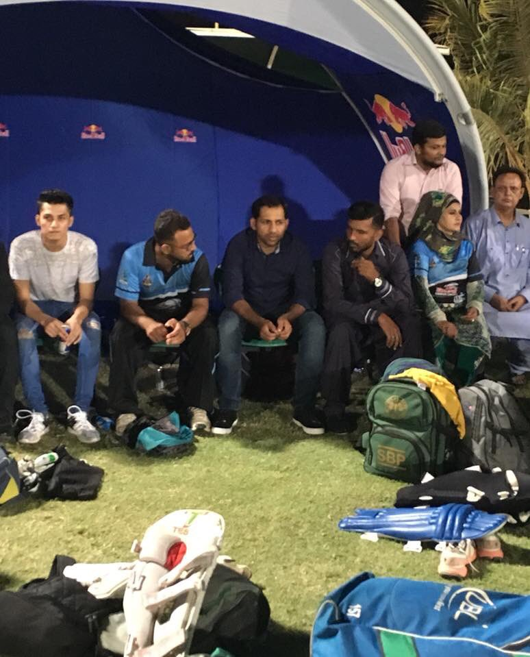 test Twitter Media - Captain @SarfarazA_54 in the dug-out along with his team #KarachiKnights  #FutureGladiators #RedBullCampusCricket https://t.co/ybXaWgSadc