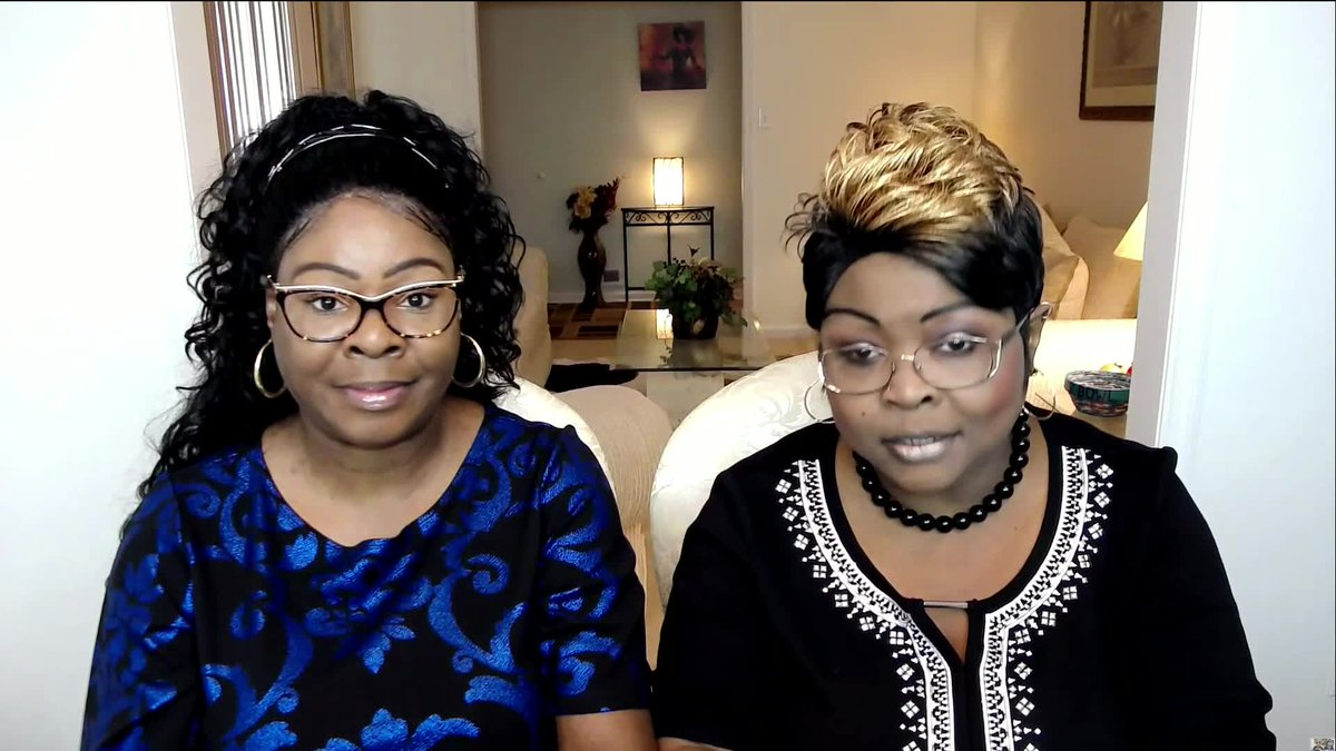 'You stand for the flag, or you kneel in the unemployment line.'  Thank you @DiamondandSilk Couldn't have said it better myself #WeStand #NRA https://t.co/GqEy0F1QEM