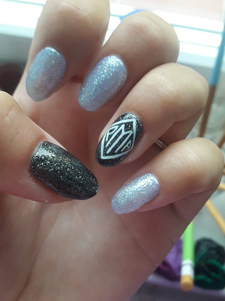 Please @Jack_Septic_Eye don&#39;t be mad that I recreate PMA logo on my nails.  #Positivementalattitude #jacksepticeye #PMA #septicart<br>http://pic.twitter.com/H2EMgpwOW5