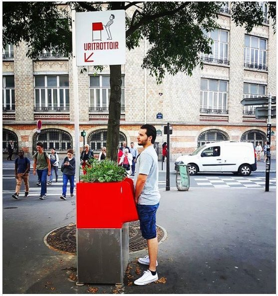 aldo sterone on twitter c est vrai cette histoire d urinoirs sur les trottoirs de paris ou c. Black Bedroom Furniture Sets. Home Design Ideas