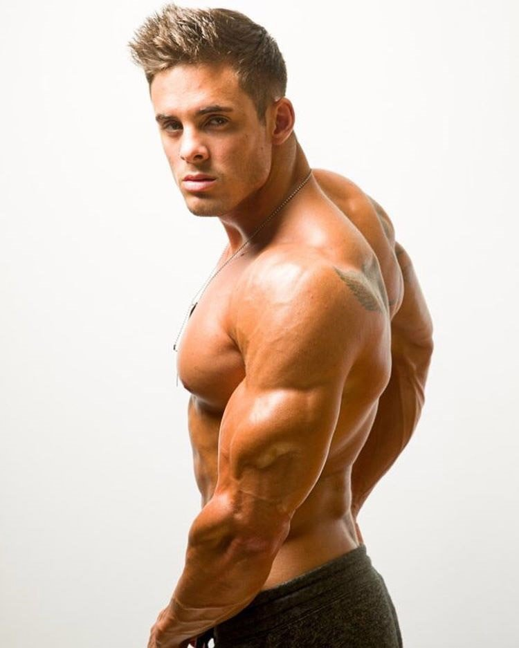 Gay Muscley Hunk Lovers