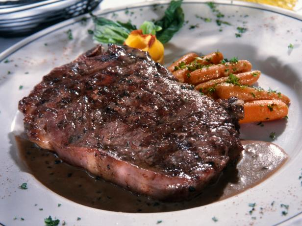 Serve up a #tasty porterhouse steak to impress your significant other! #homemade  https://t.co/kwwuQ7yRDm https://t.co/WNaTcQivFI