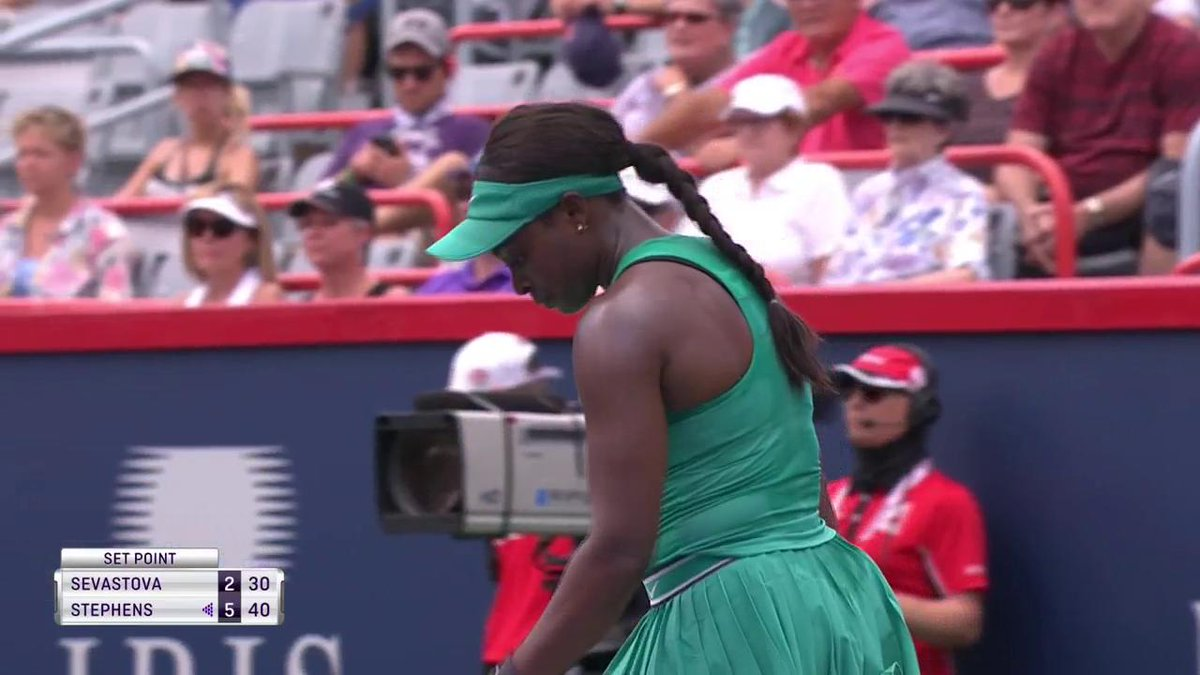 .@SloaneStephens take the opening set at the @CoupeRogers 6-2!