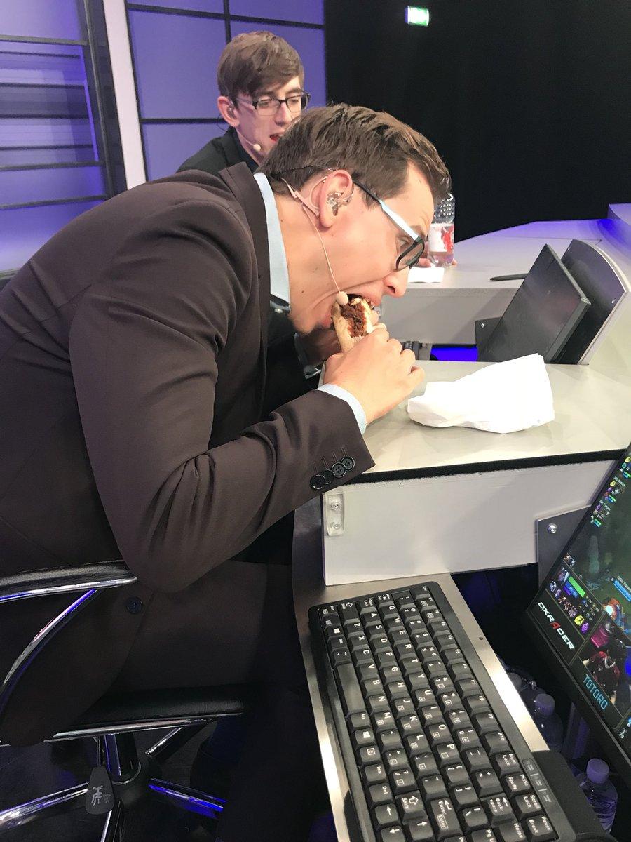 Sjokz Eefje-depoortere  - pause over < priorities twitter @sjokz