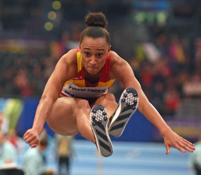 ¡BRONCE! 🥉 Enhorabuena a @apeleteirob por esta medalla en triple salto 🙌🏾🏃🏽♀ ¡Apoyemos TOD@S a las estrELLAS del deporte en #Berlin2018! #TocaGanarATodas Photo