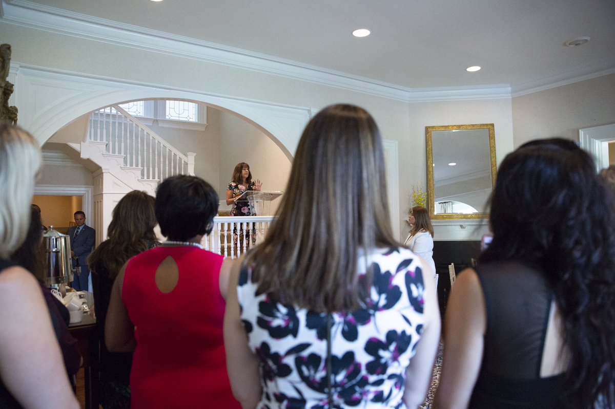 Enjoyed spending time at the Vice President's Residence with military spouses who hold leadership roles with @Mil_FANet. They are doing some important work to help military families. Keep up the great work!