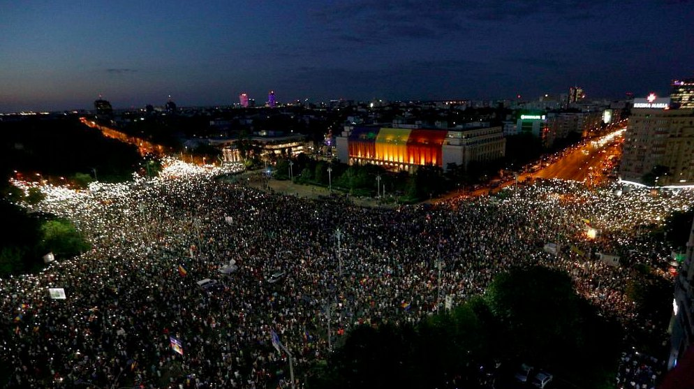 test Twitter Media - A crowd of up to 100,000 people attended a protest demanding the government's resignation in Bucharest, Romania tonight. Police used tear gas and water cannons, and there were reportedly 250 people injured. https://t.co/i1JfC0jZeT