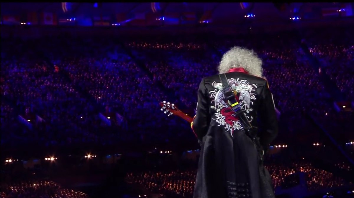 12nd August 2012, London Olympics closing ceremony. History. @DrBrianMay @QueenWillRock #brianmayforreal #BrianMay <br>http://pic.twitter.com/eRJle82U3y