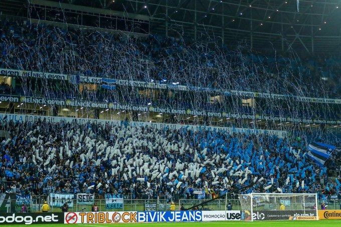 ¡#FelizFinde para todos los hinchas del Tricolor! 👊 Nos vemos el domingo en el Arena. 🇪🇪🏟 #GremioEnEspañol 📸: Lucas Uebel / Grêmio FBPA Photo