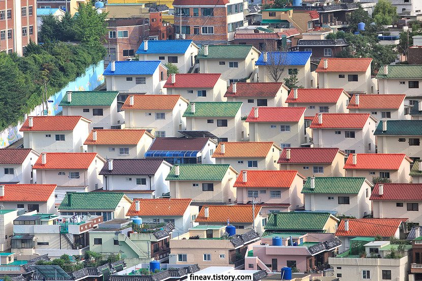 Jungkook is from Mandeok-dong. It&#39;s a small town in Busan and they also own this &quot;lego neighborhood&quot;. Maybe Jungkook&#39;s town can be on your checklist for your visit to Korea. :) @BTS_twt <br>http://pic.twitter.com/N2nbVG2nZ1