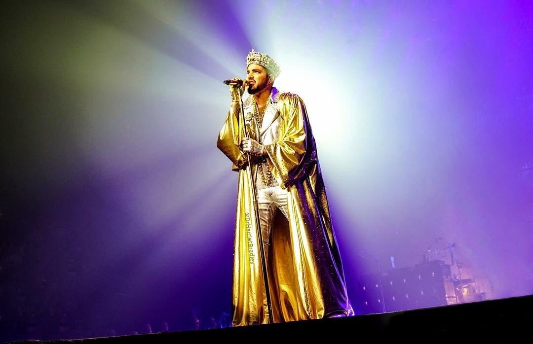 Wow! hmsharry IG -  My entry for @adamlambert photo of the day. #adamlambert #queenandadamlambert #QAL2018 #wembley  -   https://www. instagram.com/p/BmTTj_3gyjJ/ ?utm_source=ig_share_sheet&amp;igshid=otoiq4i3g4m1 &nbsp; … <br>http://pic.twitter.com/4lztsal34s