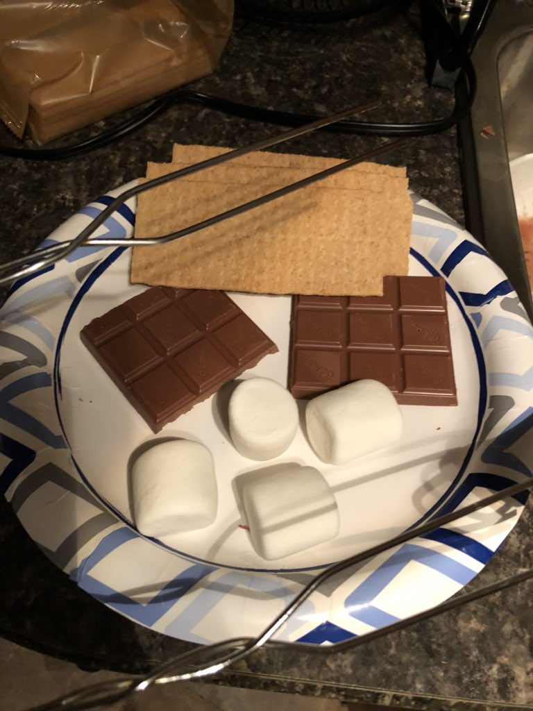 Camping this weekend and just realized that coincidentally it's #NationalSmoresDay and we JUST ATE SMORES! Seriously what are the chances? Pretty high honestly b/c we camp a lot. Enjoy, America! <br>http://pic.twitter.com/S250WzREPC &ndash; à Naval Base Ventura County, Point Mugu