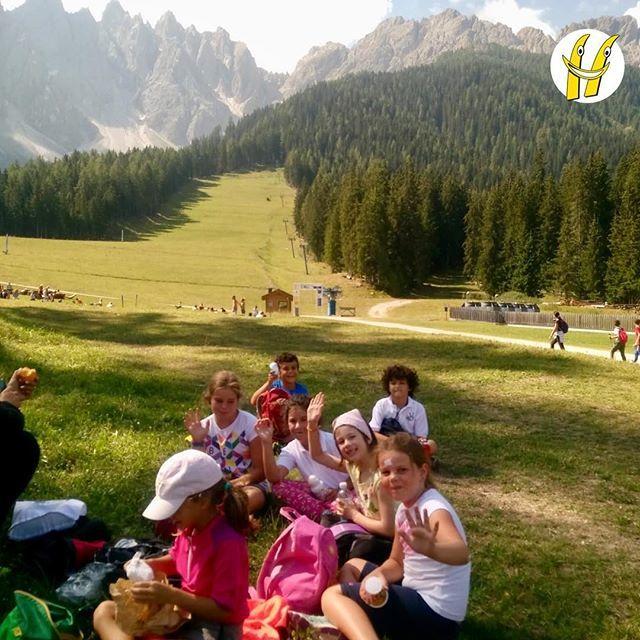 Care nuvole, ci piacerebbe rifare un picnic come questo...#scuolasci #sci #ski #happyski #mydolomiti #visitcortina #maestridisci #dolomites #dolomiti #dolomitisuperski #mycortina #cortina #cortinadampezzo #cortinadolomiti #visitveneto #igersitalia… https://ift.tt/2MBPnRc  - Ukustom