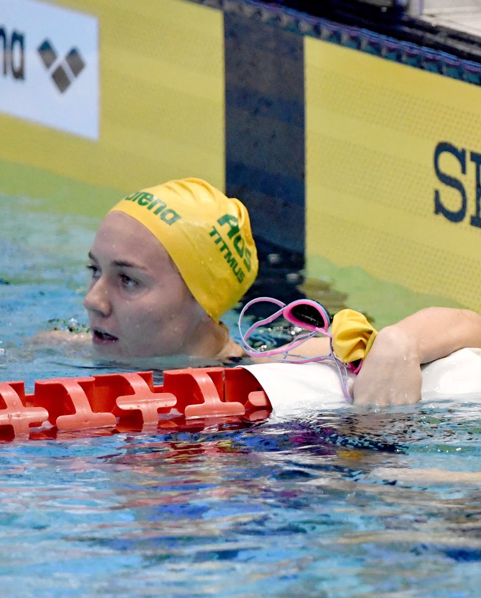 BREAKING...Ariarne Titmus becomes only the third female swimmer in history to break the 4 mind barrier for 400m freestyle with her silver medal swim in 3:59.66 #panpacs2018 <br>http://pic.twitter.com/UDbncHg5nE
