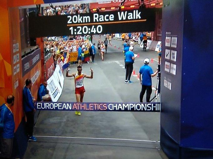 #Atletismo ¡¡CAMPEÓN DE EUROPA!!@AlvaroatletismoSE CUELGA EL ORO DE LOS 20KM MARCHA EN #BERLIN2018. Ha aguantado como un titán hasta que ha puesto la directa para volar a por el oro. ¡¡Primer 🥇 para él y primer oro español!! ¡¡BRAVÍSIMOOOO!! Photo