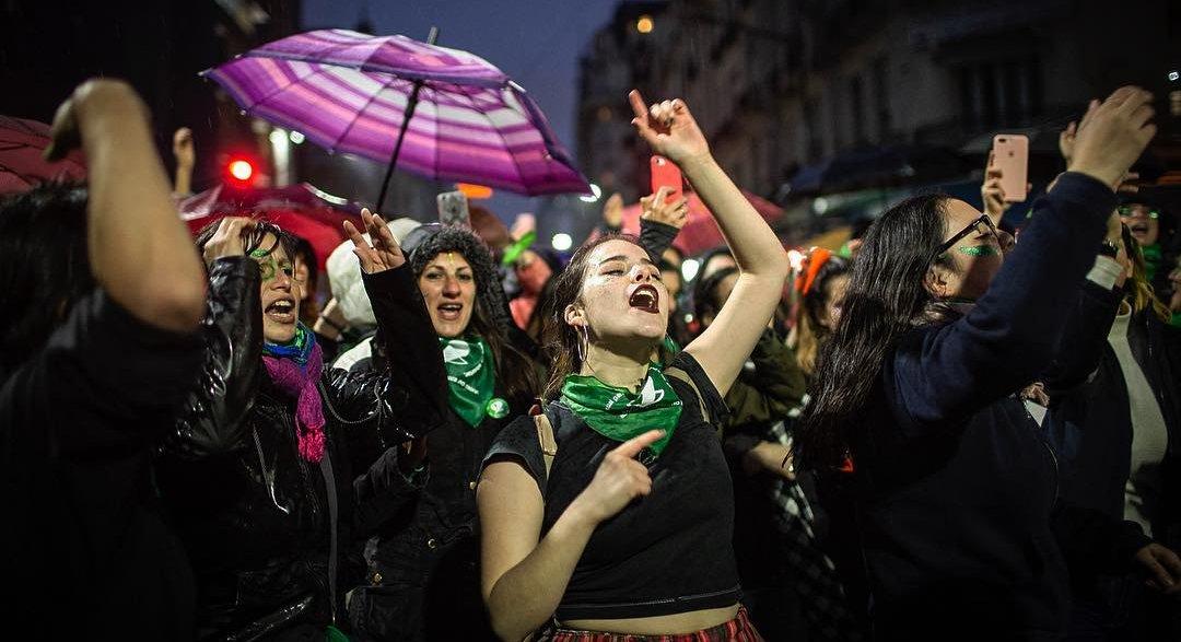 Siamo furiose ed euforiche. Ed hanno paura di noi. @veronica_gago  del @ColectivoNUM il patto ecclesiastico patriarcale ha bloccato la legge, ma la rivoluzione femminista non torna indietro #Argentina #NiUnaMenos #AbortoLegal  https:// www.dinamopress.it/news/furiose-ed-euforiche-ed-paura/  - Ukustom