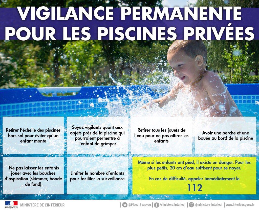 ⚠️💦 La #noyade est la 1ère cause de mortalité par accident de la vie courante chez les enfants de moins de 15 ans. La plupart des accidents en piscine ont lieu en dehors des temps de #baignade.  Vigilance permanente et équipement de protection des piscines sont obligatoires.