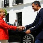 #Merkel Twitter Photo