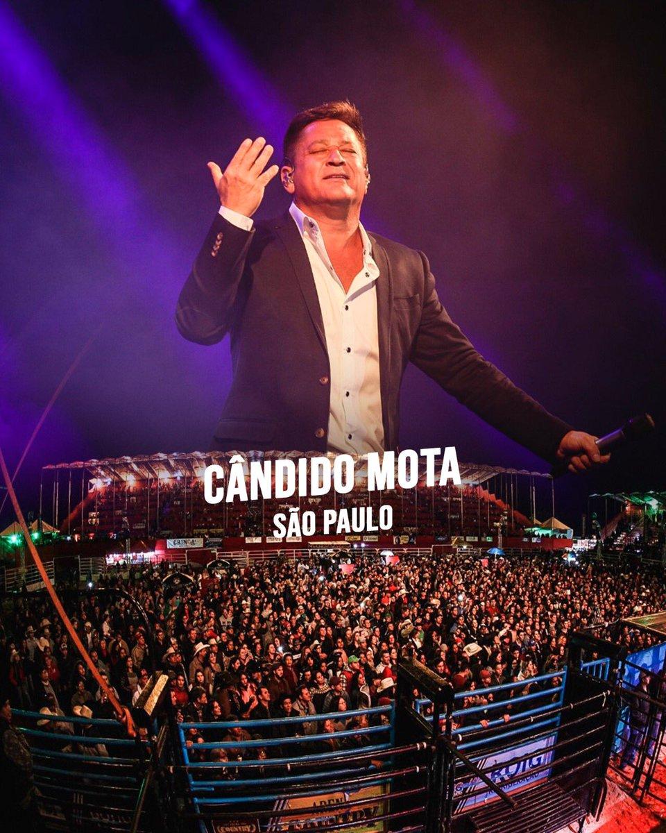 #Leonardo em Cândido Mota/SP! 📍#Leonardo #CantoBeboeChoro