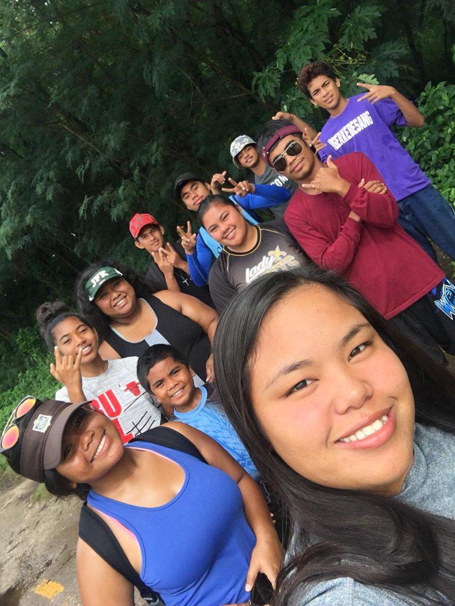 Group shots 🏝✌🏼 #hikingcruuu