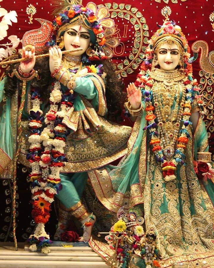 Radha Krishan Ki Gopi On Twitter Shri Shri Radhavrindavanchandra Ji Today S Darshan 11 08 2018