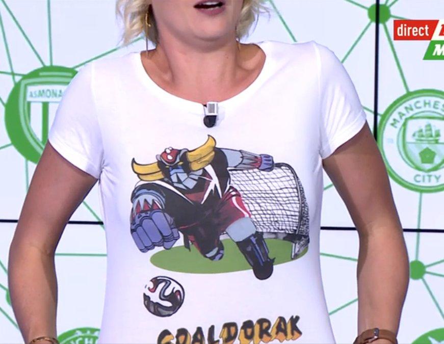 🚨🎁CADEAU DU JOUR #lequipeMERCATO ! 🎁🚨  🇫🇷 Tentez de remporter le T-Shirt GOALDORAK signé @_KidKult_ !  Pour le gagner➡️RT+FOLLOW 😍      Bonne chance et rdv à 19h20 sur @lachainelequipe ! ⏰🤞 #mercato #France