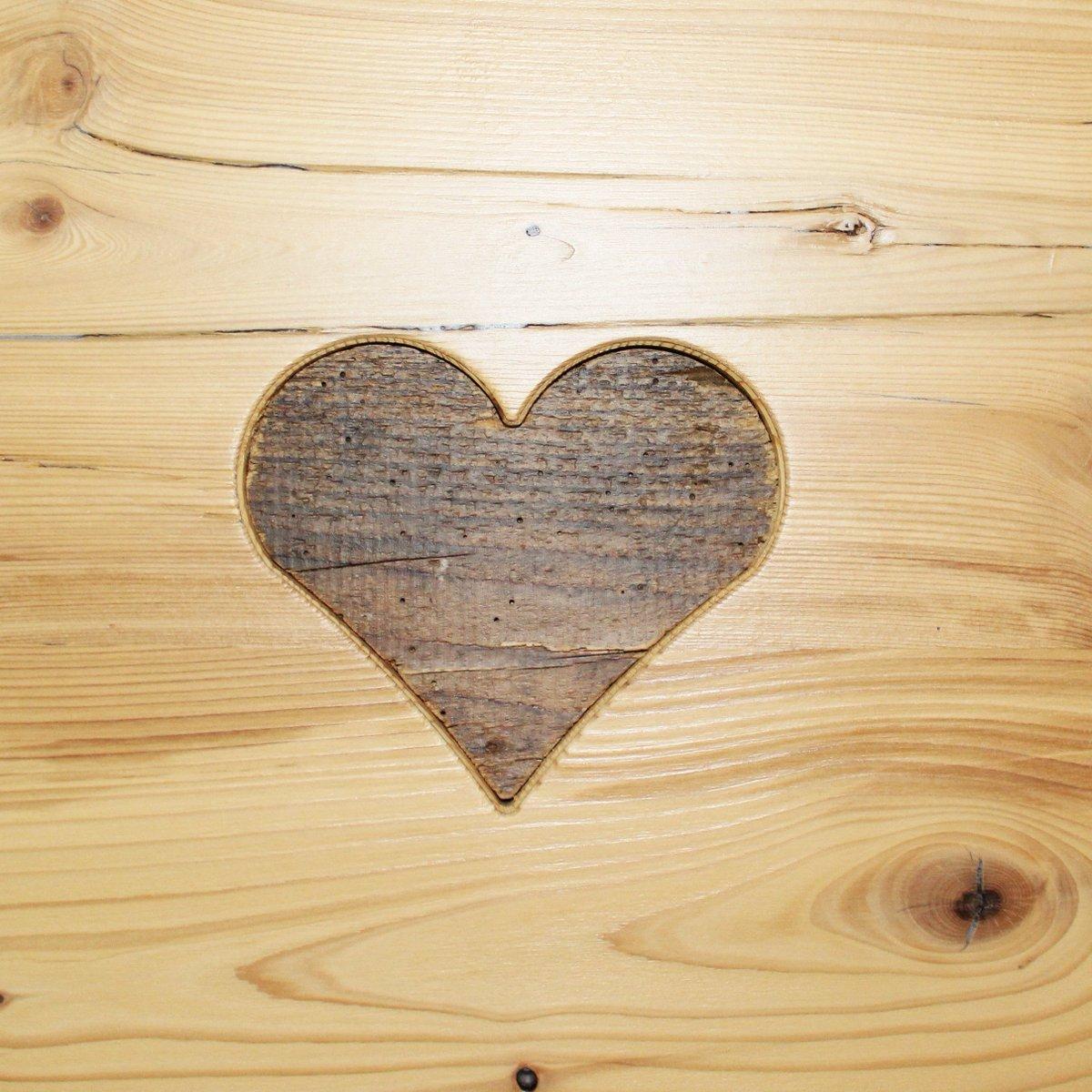 Sono le piccole cose a riempire il #cuore! Ed il profumo del #legno...  - Ukustom