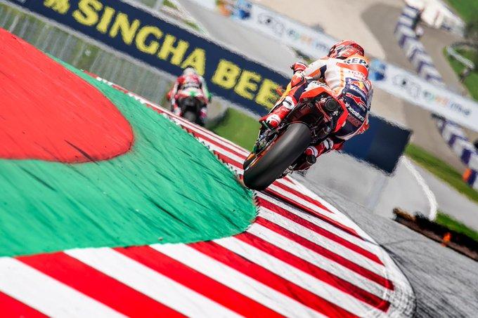 Pole position!! ✊🏼 Dentro de los límites de la pista! Inside the track limits!! #AustrianGP Photo