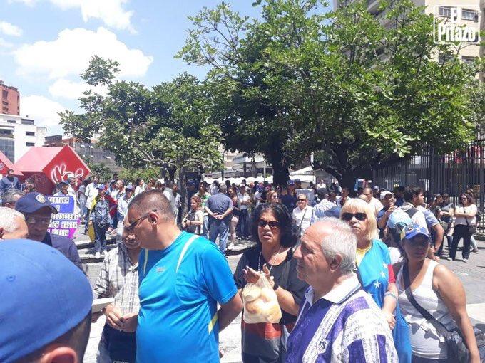 1debc151e Ayer en apoyo a Juan Requesens en Chacaito. Vía  ElPitazoTV https