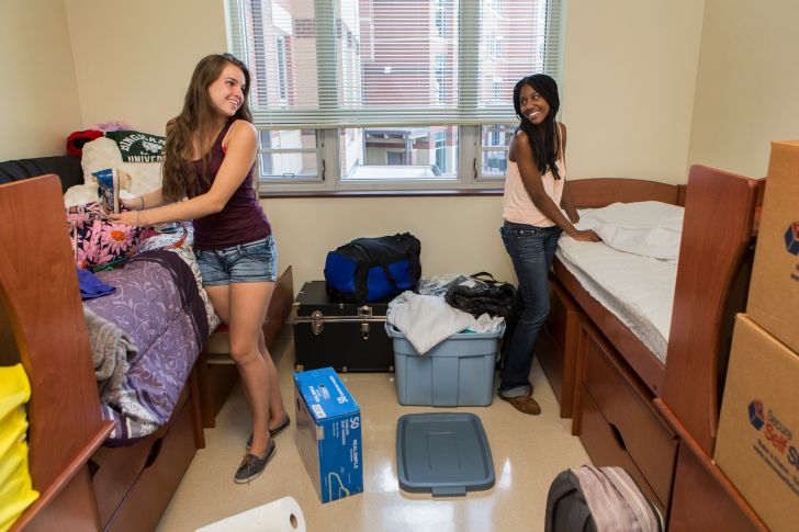 BLOG: Move-In Day is a week away! Don&#39;t forget to read our latest blog, &quot;11 Tips for a Successful Move-in at Binghamton University.&quot; &gt;&gt;&gt;&gt;  https:// bit.ly/2vvV50n  &nbsp;   #HomeSweetBing<br>http://pic.twitter.com/ARtiLJa3nZ