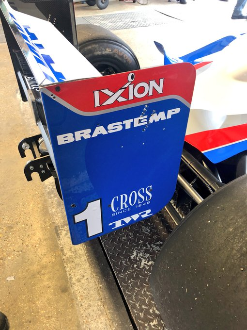 Great to see & hear an Old Skool F1 car again today @Brands_Hatch Damon Hills F1 Arrows Yamaha 1997 vintage #f1classic @DTM #DTMBrandsHatch Foto
