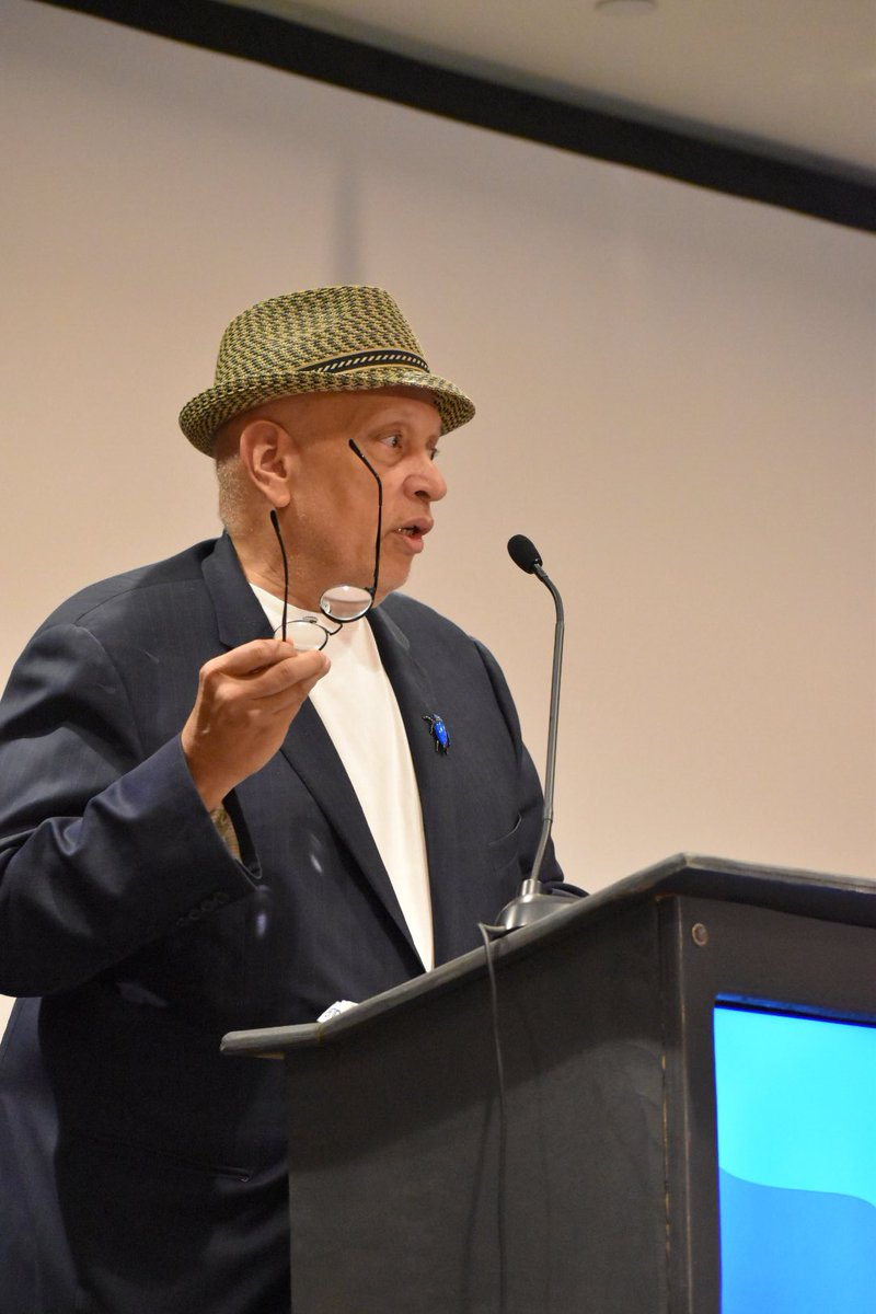 """""""Plot is the structure of revelation"""" —Walter Mosley #WDC18 #quotes<br>http://pic.twitter.com/pjQ4Hq8vOd"""