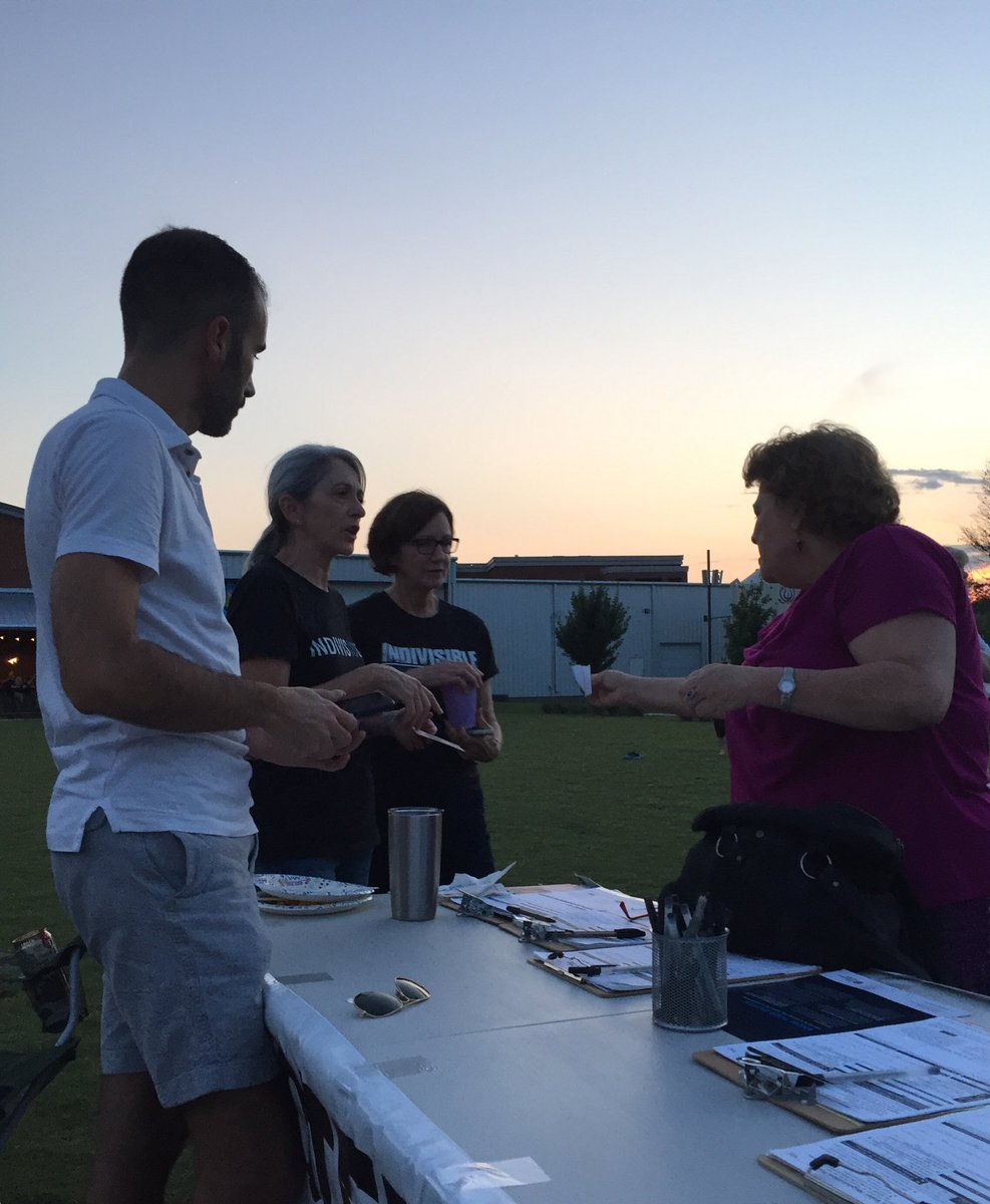 Summer nights and voter registration are just right with @peter_joffrion #BBQ #flipthe5th #alpolitics @IndivisibleTeam<br>http://pic.twitter.com/GcWJHj7gcL