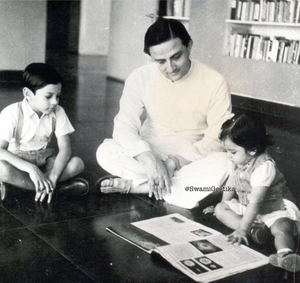 """""""He who can listen to the music in the midst of noise can achieve great things"""" Remebering the father of Indian space programme ISRO,the innovator and visionary Vikram Sarabhai. Man who visualized modern India and made  it a reality  #VikramSarabhai #SundayMotivation <br>http://pic.twitter.com/n9ZTtserrI"""