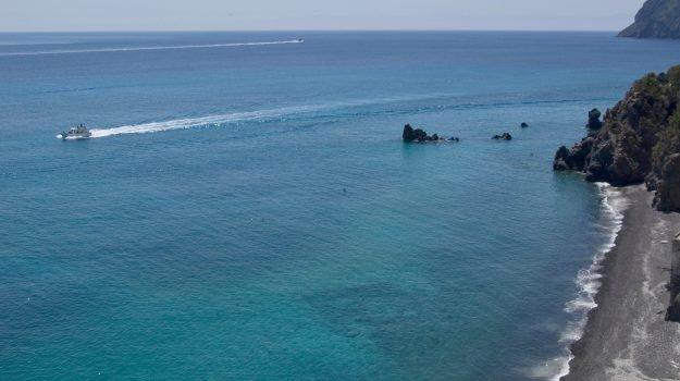 #Eolie e #Lampedusa, è boom ma alle #Egadi stagione in calo #Turismo #Estate #Ferragosto http://gds.it/2018/08/12/eolie-e-lampedusa-e-boom-di-turisti-ma-alle-egadi-stagione-in-calo_899530/?utm_medium=feed&utm_source=twitter.com&utm_campaign=Feed%3A+gds_twitter_feed  - Ukustom