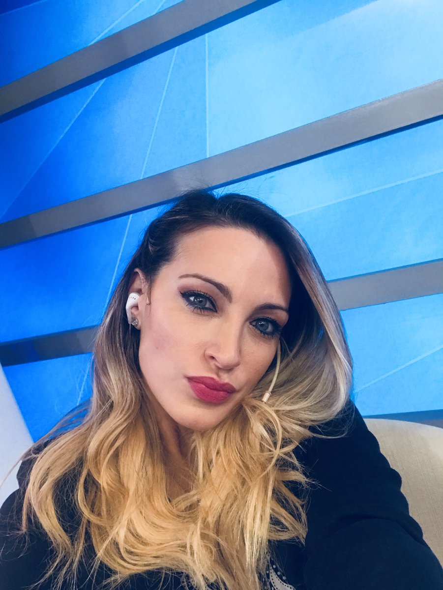 Gabriela Mandato Nude Photos 33