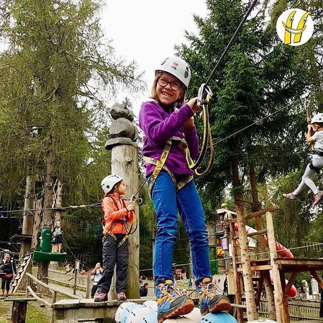 Buona domenica a tutti dagli avventurosi sugli alberi a Silian#scuolasci #sci #ski #happyski #mydolomiti #visitcortina #maestridisci #dolomites #dolomiti #dolomitisuperski #mycortina #cortina #cortinadampezzo #cortinadolomiti #visitveneto … https://ift.tt/2Bbbhto  - Ukustom