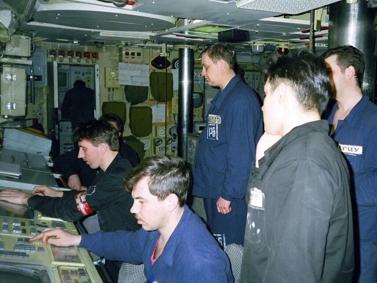 Подводная лодка курск фото экипажа