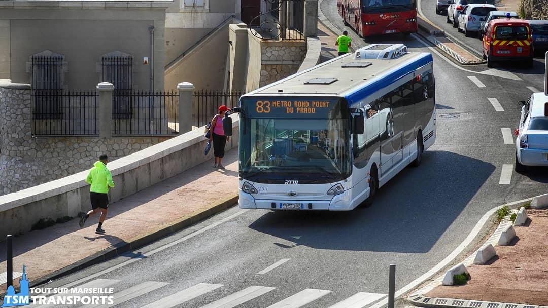"""""""GX327 du bord de mer """"..Avec leurs grande capacité en nombre de passagers et en espace en m², les #Heuliez bus GX 327 sont souvent affectés sur des lignes qui chargent beaucoup, c\"""