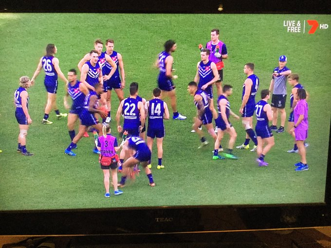 Kids in bed. Hopefully stay review time as usual on the telly after being there today #AFLFreoBlues #foreverfreo Photo