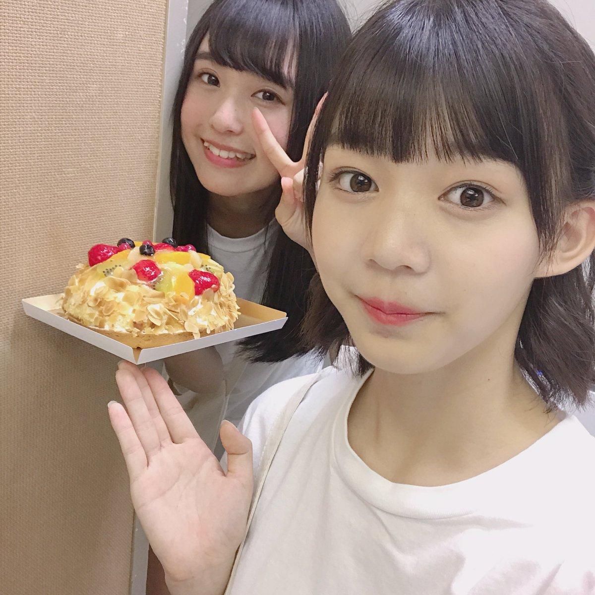 神﨑風花、寺口夏花、ケーキの二人と一つで