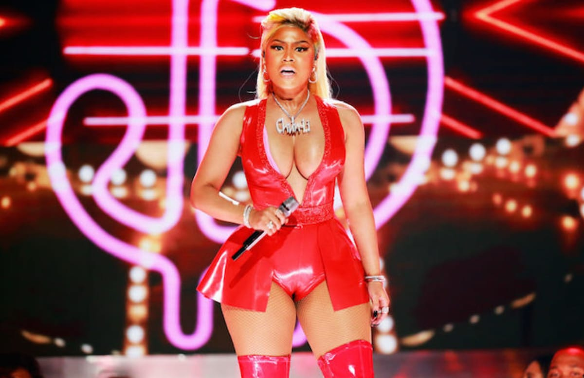 Travis Scott's 'Astroworld' beats Nicki Minaj's 'Queen' to remain No. 1. trib.al/VVLB6Jk