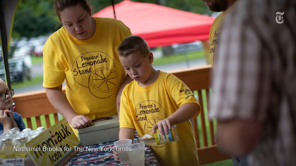 Politicians and news crews were on hand when Brendan's Lemonade Stand, shut down by state health inspectors, reopened on Saturday to raise money for a friend. https://t.co/CKcoMIeej7