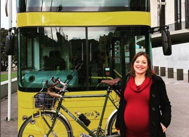 >@Emais_Estadao Ministra da Nova Zelândia vai de bicicleta até hospital para dar à luz https://t.co/2hrVGcm4zo