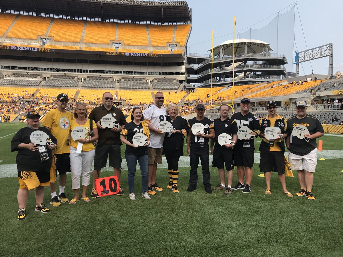 Watch as we honor this year's SNU Fan Awards Winners at #FamilyFest! WATCH | stele.rs/CFcoH7