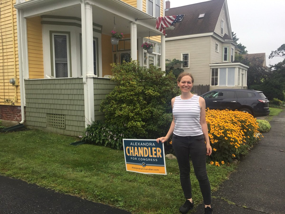 Quick stop to put up another sign in #Haverhill and now heading to the #Bolton Fair! #MA3 #mapoli
