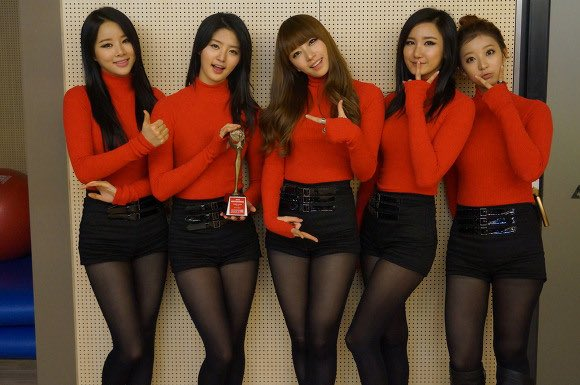 happy 6th anniversary to our favourite girls, we'll always be with you  #Happy6thAnniversaryWithEXID<br>http://pic.twitter.com/hH0ZD7K6km
