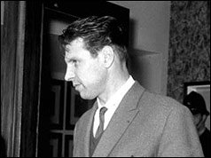 Today in 1964 a  massive manhunt is underway across Britain after one of the so-called Great Train Robbers escaped from Winson Green Prison in Birmingham. Charlie Wilson, 32, was apparently freed by a gang of three men who broke into the jail in the early hours of the morning <br>http://pic.twitter.com/zUZ9LrMaiN