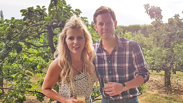 It's an early @BBCCountryfile from Nottinghamshire - just about to start on BBC1. Matt Baker is visiting the home of the Bramley Apple:  https://www. bbc.co.uk/programmes/b0b g5ncs &nbsp; … <br>http://pic.twitter.com/CFyDuZ0uQB