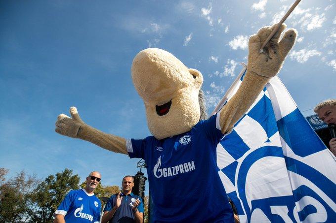 Suns out, Erwin out 💙 #SchalkeTag #SchalkeUS🇺🇸 Foto